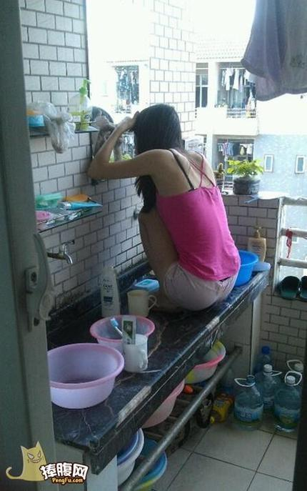 女汉子是这样子照镜子 - 浴女倾城 - 浴女倾城