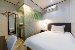 海友酒店(上海行知路地铁站店)